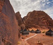 tourist-tents-in-wadi-rum-dessert